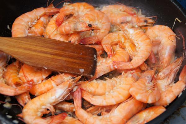 whole shrimp Cajun stir fry